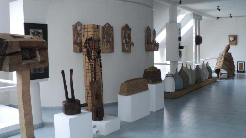 Muzeul de arta comparata Sangeorz-Bai